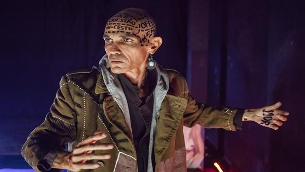 """Ator goiano apresenta """"Complexo de Hamlet"""" no Teatro Sesc-Centro"""