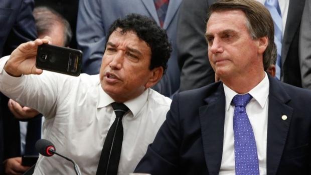 Magno Malta deve ser oficializado como vice de Jair Bolsonaro