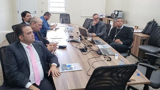 Roberto Naves vai a São Paulo buscar empresas dispostas a investir em Anápolis