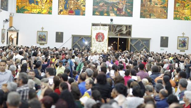 Último dia de Romaria atrai milhares de devotos para celebrações. Veja programação