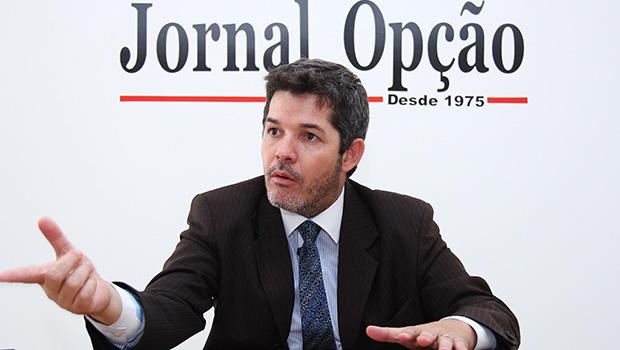 PSL, que ajudou na candidatura de Caiado, revela afastamento do governador