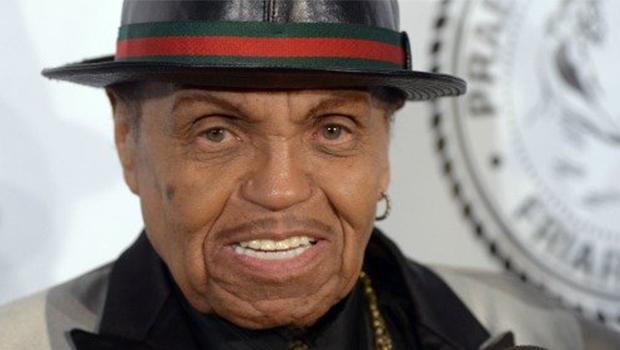 Joe Jackson, pai de Michael Jackson, morre aos 89 anos