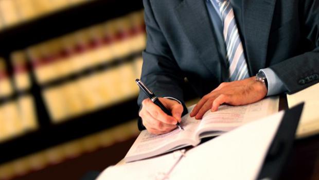 Advogados podem ter piso salarial estipulado em Goiás