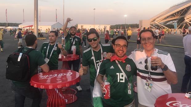Torcedores mexicanos estão mais preocupados com AMLO que com a seleção do país