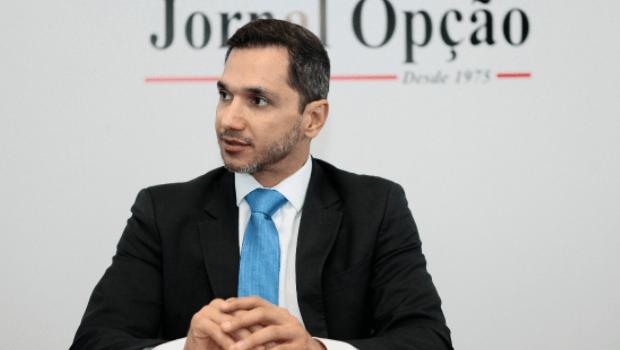 Pedro Paulo de Medeiros questiona projeto que concede licença-prêmio a juízes