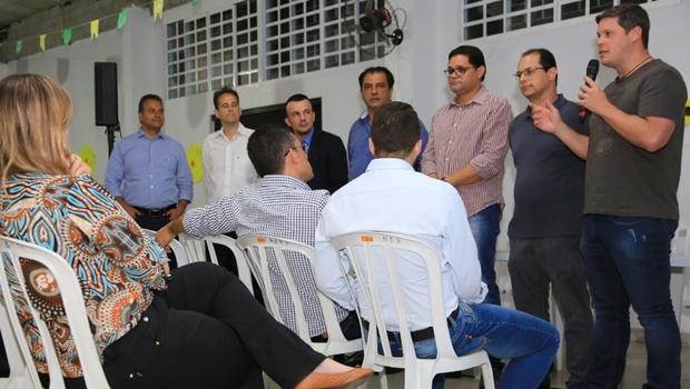 Líderes comunitários apresentam sugestões para plano de governo de José Eliton