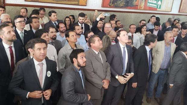 Advogados fazem marcha contra PL que cria licença-prêmio a magistrados