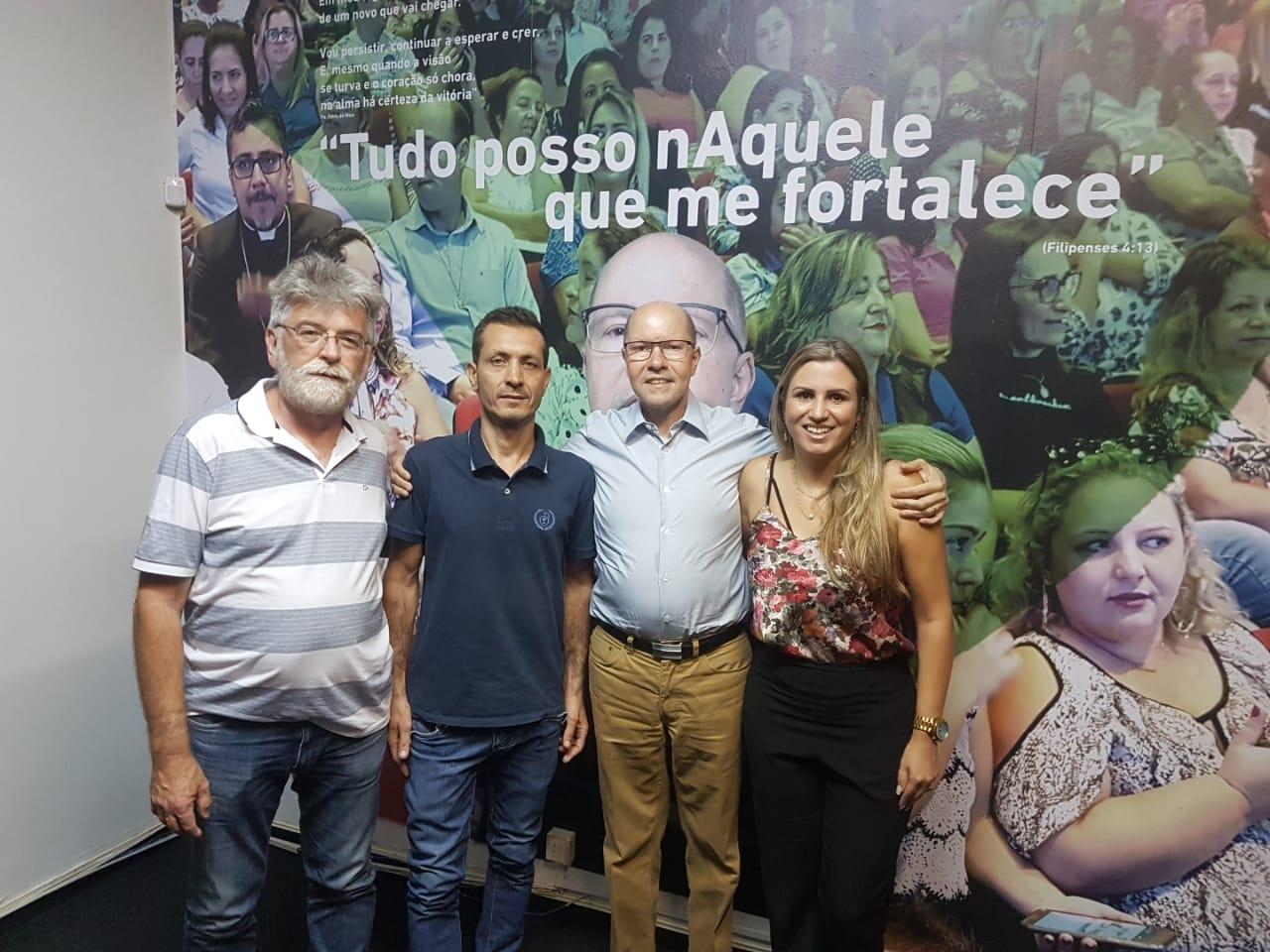 Demóstenes Torres abre diálogo com motoristas de aplicativo