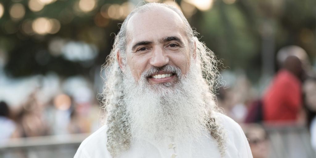 Prem Baba, guru espiritual, é acusado de abusar de duas mulheres casadas