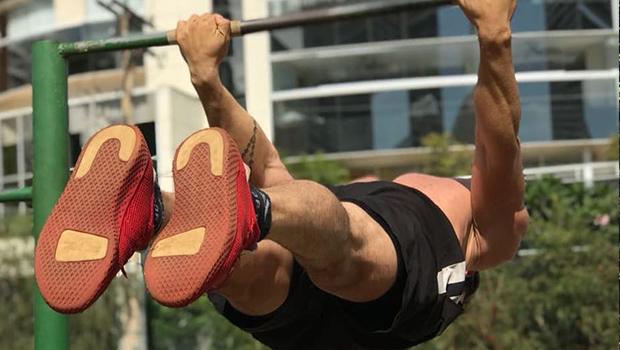 Prática de exercícios físicos utiliza apenas o peso do corpo. Conheça a calistenia