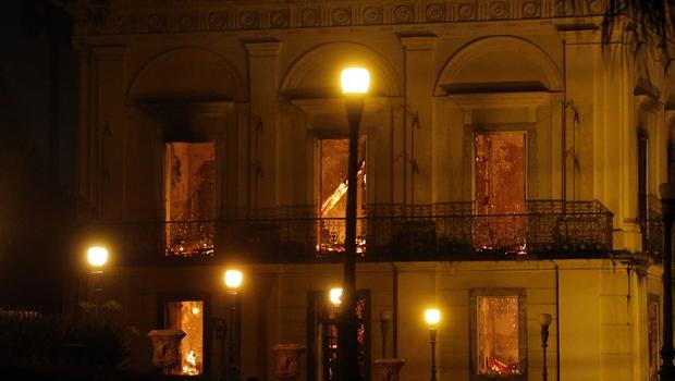 Risco de incêndio no Museu Nacional foi denunciado há 14 anos