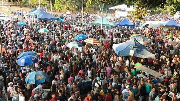23° Parada LGBTI de Goiânia deve receber mais de 100 mil pessoas neste domingo (9)