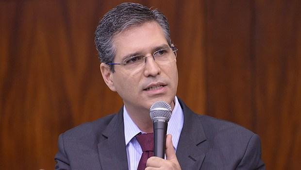 Francisco Júnior diz que ressalvas nas contas de 2017 prejudicariam o Estado