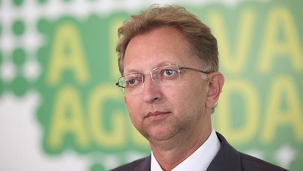 João Campos vê com bons olhos aproximação de Bolsonaro com centrão