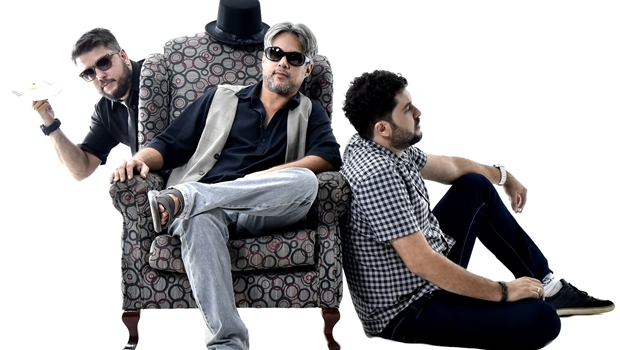 Krig-Ha Rock Trio toca Raul, Elvis e Creedence