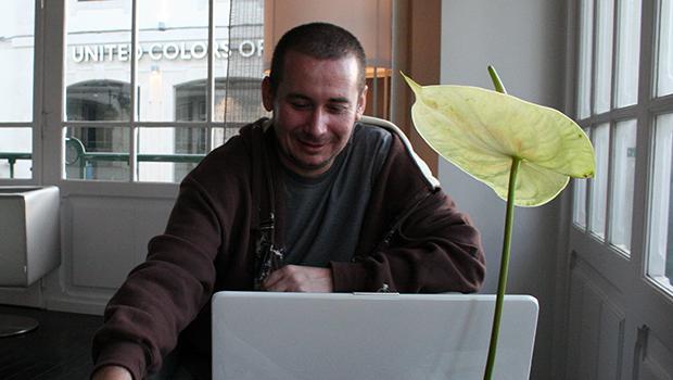 Carlos Willian se torna consultor de redes sociais de shopping em Brasília