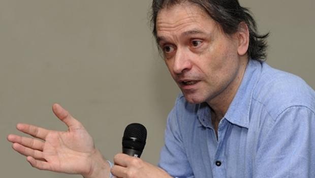 Cientista político alemão realiza conferências em Goiânia sobre Karl Marx