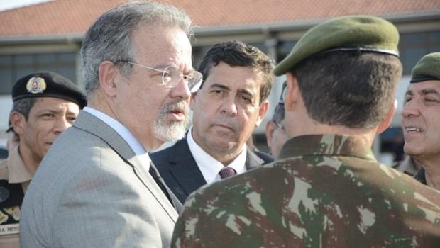 Ministro Raul Jungmann visita instalações do Exército em Palmas