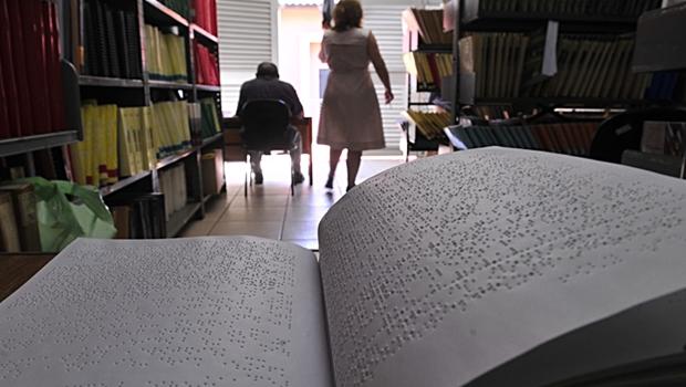 Tratado que facilita acesso de pessoas com deficiência a obras literárias é promulgado