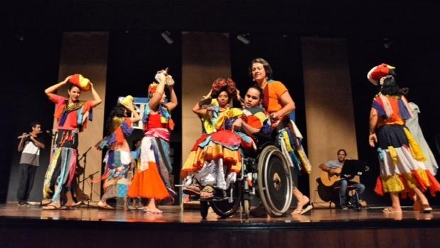 """Espetáculo """"Maria Grampinho"""" no Dia Mundial da Paralisia Cerebral"""