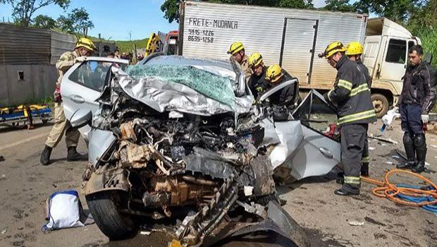 Acidente entre veículos na GO-222 em Anápolis deixa três pessoas mortas