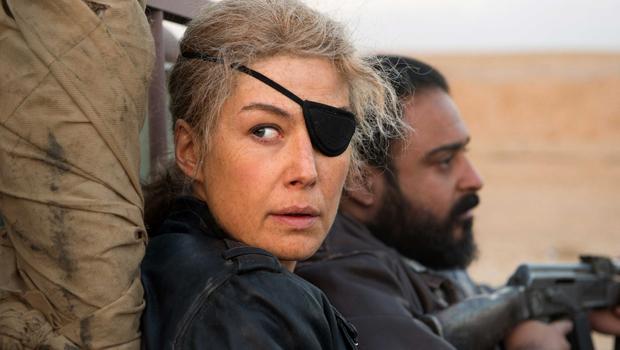 Filme conta história de correspondente de guerra que perdeu um olho no Sri Lanka e morreu na Síria