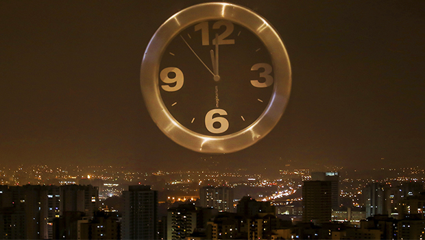 Horário de verão começa à meia-noite deste sábado, véspera do Enem