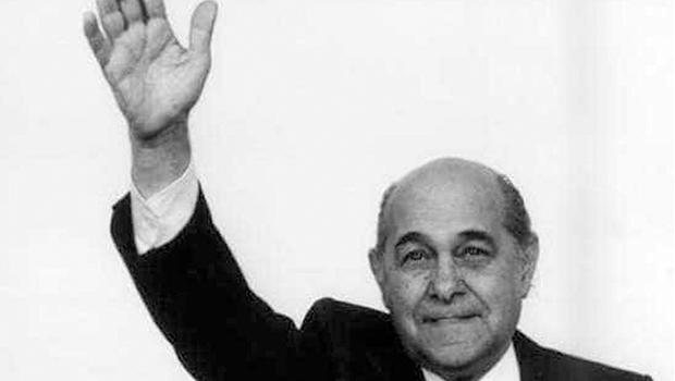 A falta que faz um Tancredo Neves para moderar Bolsonaro