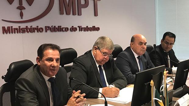 Em Brasília, Vanderlan se encontra com procuradores de todo Brasil e propõe parcerias