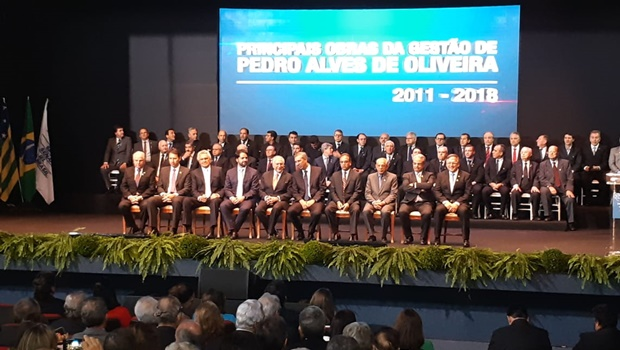 Fieg empossa nova diretoria e homenageia presidente da República