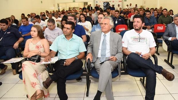 """""""Vamos assumir as dívidas e entrar para entrar no regime de recuperação fiscal"""", diz Caiado"""