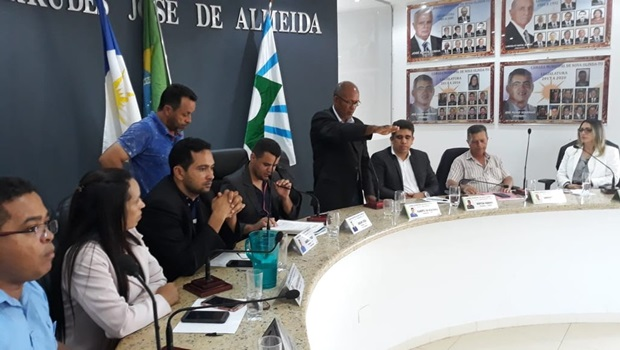 Prefeito interino de Nova Olinda é cassado e presidente da Câmara assume