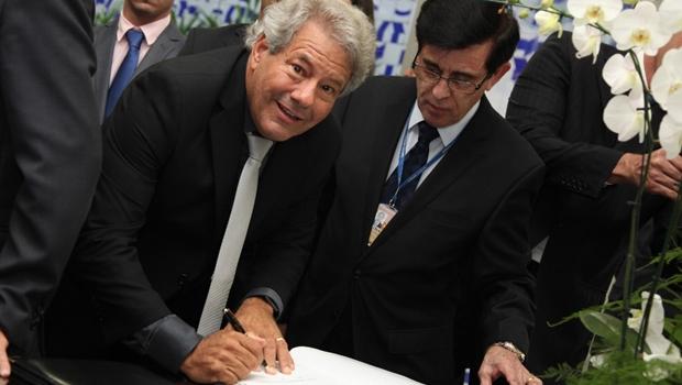 Luiz Carlos do Carmo assume vaga no Senado Federal e comenta posse