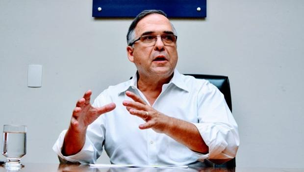 Sandro Mabel diz que enquanto outros Estados atraem empresas, Goiás afugenta