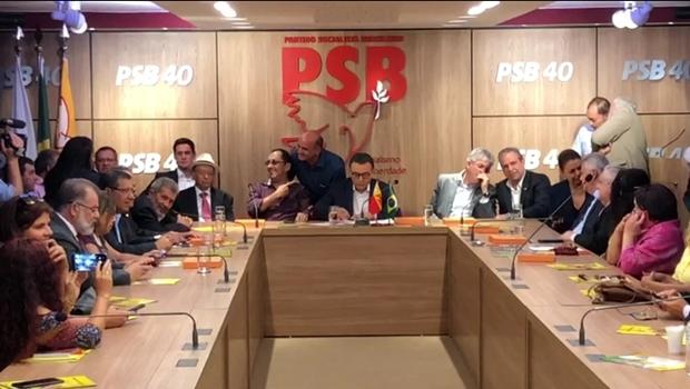 Em cerimônia de filiação ao PSB, Kajuru é anunciado líder  do partido no Senado