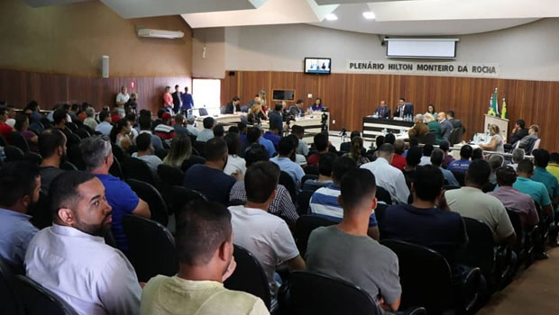 Câmara acata sugestão de centro acadêmico e prefeito sanciona lei com novos horários para bares e distribuidoras