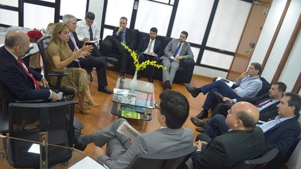 Secretaria da Economia discute em audiência soluções para quitar dividas com municípios