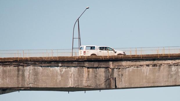Carlesse determina interdição da ponte de Porto Nacional
