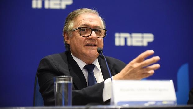 """José Nelto defende demissão de ministro da Educação; """"ele é uma tragédia e nem fala português"""""""