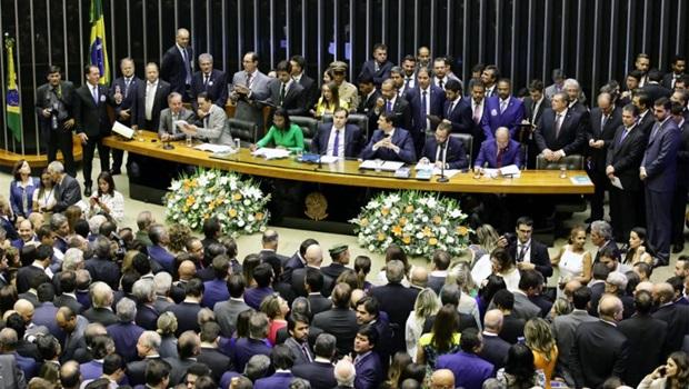 Deputados goianos tomam posse na Câmara Federal