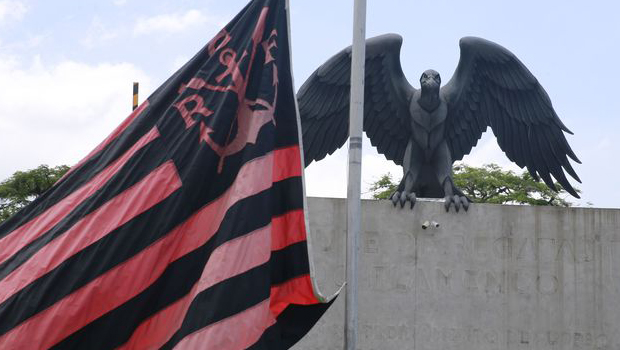 Presidente do Flamengo nega conhecimento sobre funcionamento irregular do CT