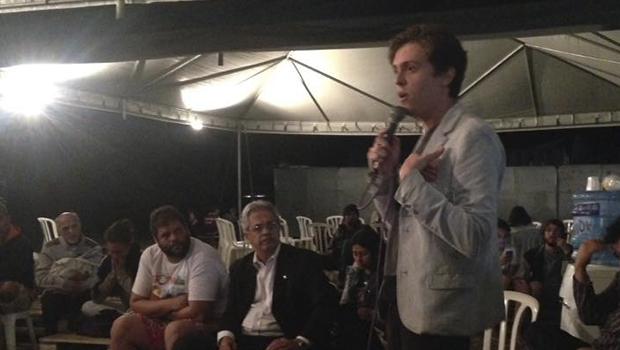 Grupo se mobiliza para tentar impedir entrega de título de cidadania à ministra Damares