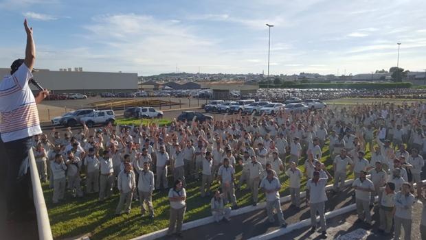 Trabalhadores rejeitam proposta da Mitsubishi de descontos de até 15% e apostam em novo acordo