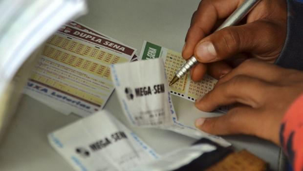 Funcionários do PT em Brasília ganham R$ 120 milhões na Mega-Sena