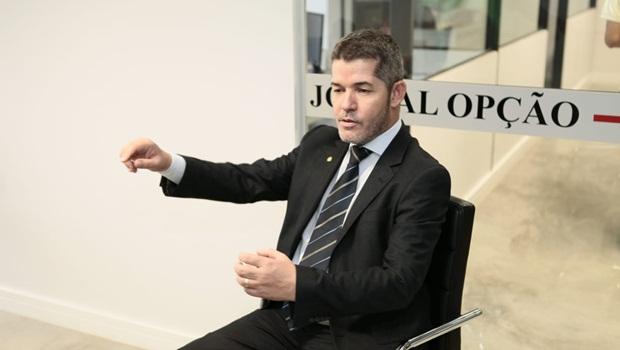 """""""Estados têm que fazer seu dever de casa"""", diz líder do PSL sobre saída de entes da reforma"""