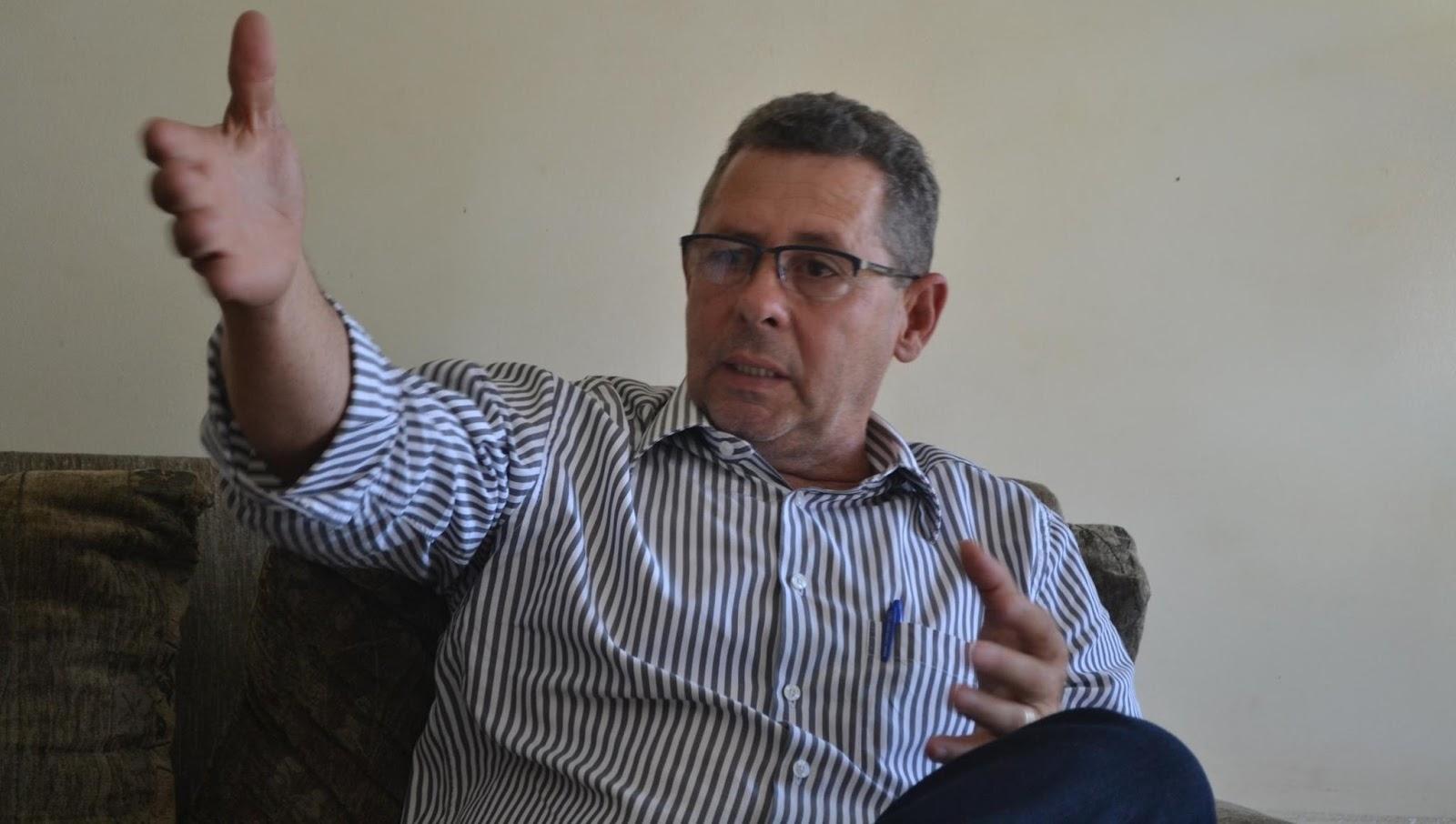 DEM pretende organizar frente ampla para enfrentar Valmir Pedro em Uruaçu