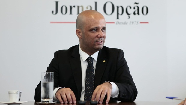 Deputado Major Vitor Hugo é cotado para o Ministério da Educação