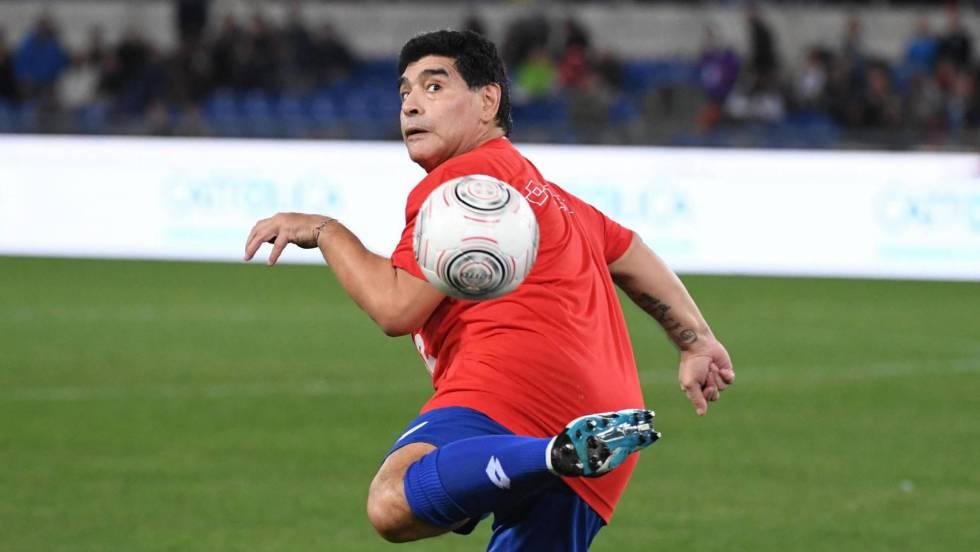 Maradona critica seleção da Argentina e diz que não aprecia filme de terror