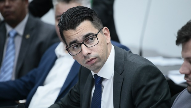 """""""Bolsonaro não merece título de cidadão de nenhuma currutela, muito menos de Goiás"""", diz relator"""