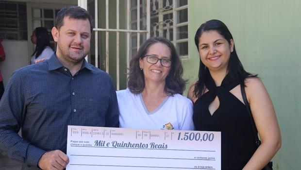 Deputado doa auxílio moradia para orfanato e Apae de Posse